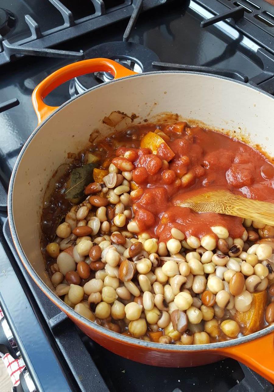 simple-vegan-bean-chili-4