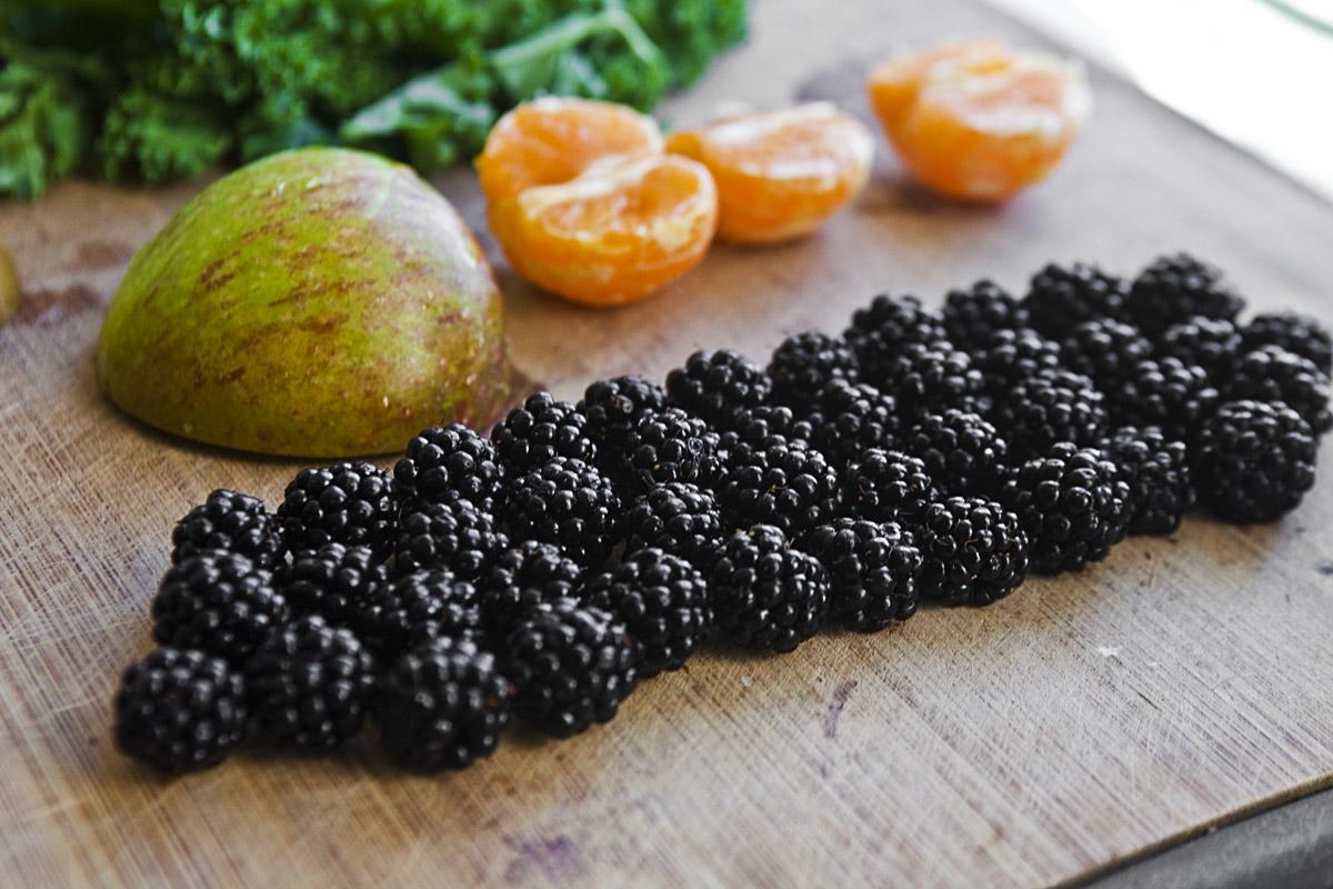 Simple Autumn Green Smoothie -Blackberry, Kale, tangerine, apple, pear